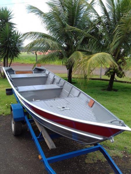 Barco alumínio com plataforma