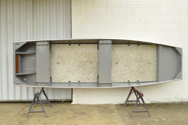 Fabricação de barcos de alumínio