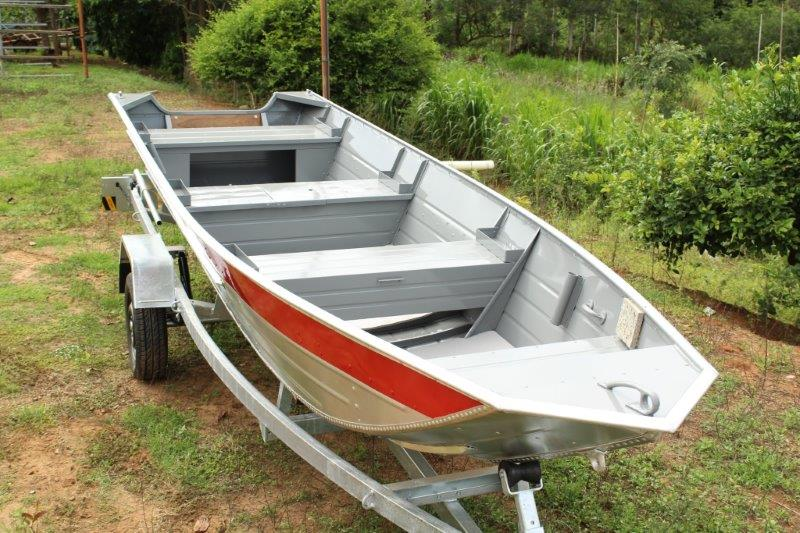 Fabricante de canoa semi chata